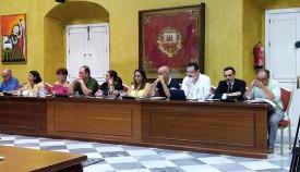 Miembros de la oposición en un pleno del Ayuntamiento de San Roque