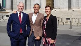 Araujo, a la izquerda, hoy en el Congreso junto a José Ramón Ortega y José Pacheco