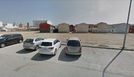 Imagen de la parcela en la que se ubicará la Comisaría, en la calle Sevilla de La Línea. Foto: Google maps