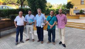 Jorge Juliá en una reunión anterior con otros vecinos