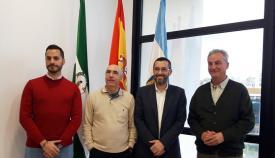 Imagen de archivo de Pepe Torres junto al alcalde y concejales linenses. Foto: NG