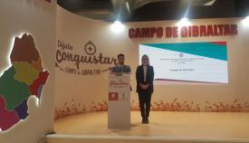 Daniel Perea y Ana Ruiz, durante la presentación del Día de la Comarca