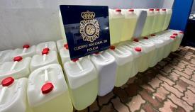 Las garrafas intervenidas por la Policía Nacional. Foto: NG