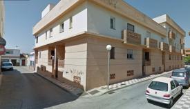 Imagen del edificio que podría ser desaojado. Foto: Google Maps