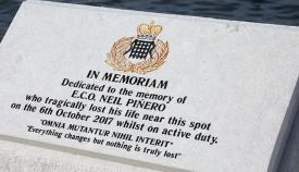 Imagen de la placa instalada. Foto HM Customs Gibraltar