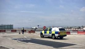 Policía del MoD en el aeropuerto de Gibraltar. Foto de la RAF