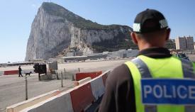 Un agente de la Policía de Gibraltar, en imagen de archivo