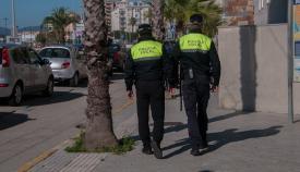 Dos agentes de la Policía Local de La Línea