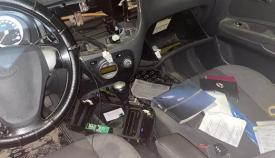 El interior del vehículo al que accedió el autor de los hechos. Foto: lalínea.es