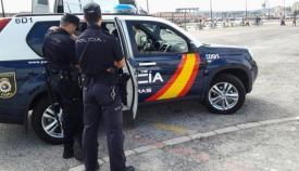 Agentes de la Policía en instalaciones cercanas al Puerto de Algeciras
