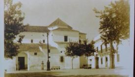 Imagen de la Plaza de Armas de San Roque, portada del libro de Pérez Girón