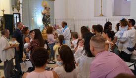 Presentación de niños a Nuestra Señora del Rosario, en Los Barrios