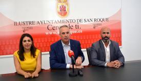 Jiménez y Ordóñez junto al alcalde de San Roque, Juan Carlos Ruiz Boix