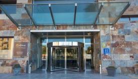 Acceso al Hotel de la cadena 'Ohtels' en La Línea. Foto: NG