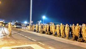 El contingente de la COMGECEU, tras aterrizar en Málaga, a su regreso de Irak. Foto COMGECEU