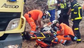 La víctima, atendida por los servicios de emergencia