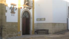 Fachada principal de la residencia de ancianos de San Roque. Foto: NG