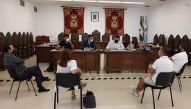 Responsables municipales y de Alaho, esta mañana. Foto: lalínea.es