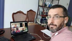 El alcalde de La Línea, durante su videoconferencia con agentes económicos de la ciudad