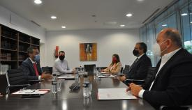 Un momento de la reunión celebrada esta mañana. Foto: lalínea.es