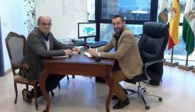 Pérez-Periáñez, en una reunión reciente con el alcalde Juan Franco
