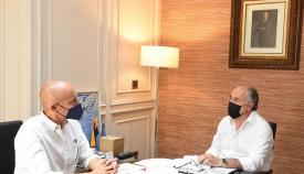 El alcalde de Algeciras se reúne con el director de la Revista Almoraima