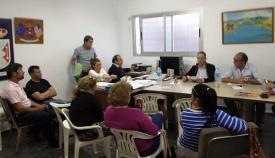 Miembros del PIVG durante una reunión de grupo