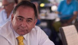 El portavoz económico del GSD, Roy Clinton