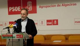 Salvador de la Encina, en la sede del PSOE de Algeciras hoy