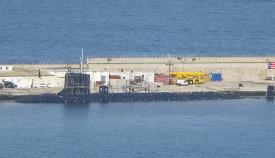Andamios de reparación en la vela del submarino nuclear USS John Warner. Foto de Noticias Gibraltar