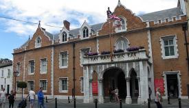 The Convent, la residencia oficial del gobernador británico. Foto NG