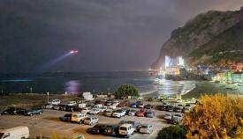 El helicóptero en la búsqueda en Catalan Bay. Foto NG