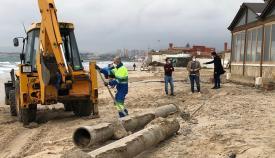 Emalgesa continúa con la retirada de tuberías en El Rinconcillo