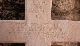 Inscripción en la tumba de El Tempranillo en el patio de la iglesia de la Inmaculada Concepción, en la localidad malagueña de Alameda (Diputación Provincial de Cádiz)