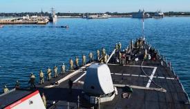 El USS Porter, basado en Rota, entrando en los muelles de la base española. Foto US Navy / Ford Williams
