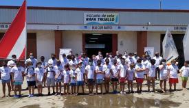 Alumnos de la Escuela de Vela de La Línea. Foto: lalínea.es