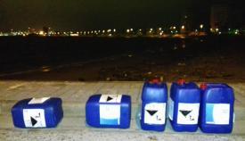 Envases encontrados por Verdermar en la playa de Poniente de La Línea
