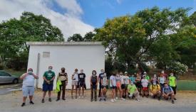 Los voluntarios que participaron en la limpieza del Hozgarganta