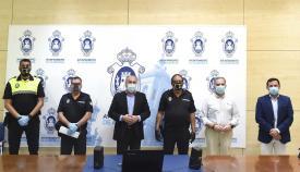 El alcalde junto a autoridades y mandos policiales. Foto: NG