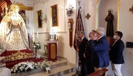 La Policía Local de Algeciras realiza una ofrenda floral a su Patrona