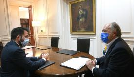 Landaluce recibe al nuevo delegado del Estado en la Zona Franca
