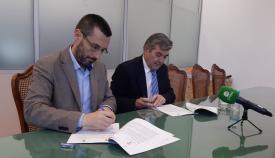 Franco y Fernández, durante la firma del convenio