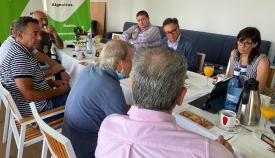 Miembros de Vox Algeciras se reúnen con el sector turístico y hotelero de la comarca