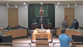 Los representantes del GSD abandonando el Parlamento. Foto GSD