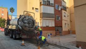 Emalgesa limpia la red de saneamiento en Sierras de España