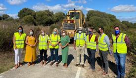 Las autoridades presentes en la carretera de Castellar.