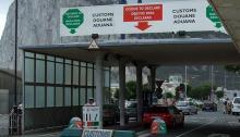 Puesto de aduanas para vehículos y personas en la Verja