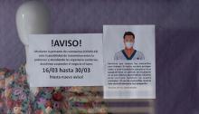 Avisos en los comercios por la crisis del coronavirus. Foto Sergio Rodríguez