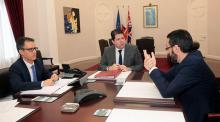 Fabian Picardo y Joseph García, junto al alcalde de La Línea, Juan Franco (derecha). Foto Gobierno de Gibraltar