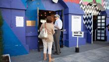Votación en un centro electoral de Gibraltar. Foto Sergio Rodríguez